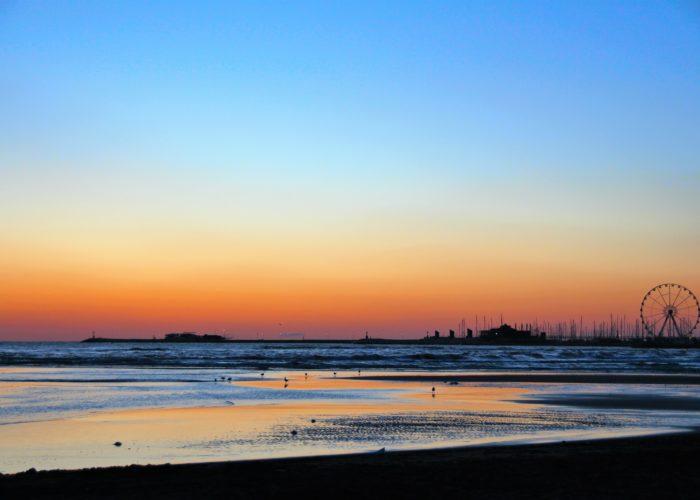 alba su Rimini